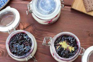 Blaubeer-Cheesecake im Glas - ohne Backen